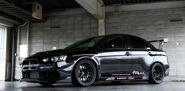 mitsubishi_evolution_evo_x_desktop_wallpaper-1440x900